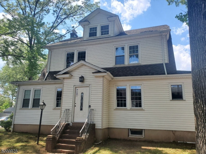 Photo of home for sale in Roselle Park Boro NJ