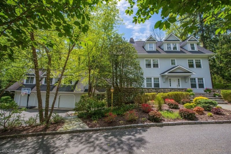 Property for sale at 20 N Briarcliff Rd, Mountain Lakes Boro,  NJ 07046