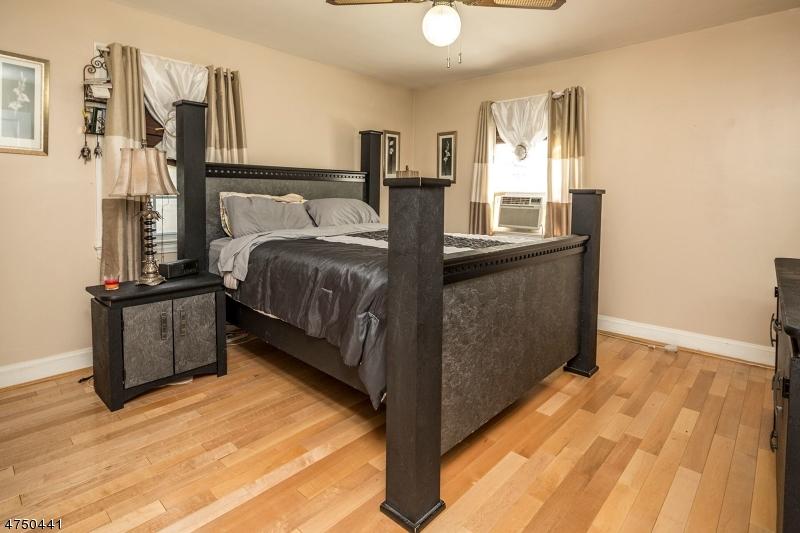 636 Laurita St Linden City, NJ 07036 - MLS #: 3421731