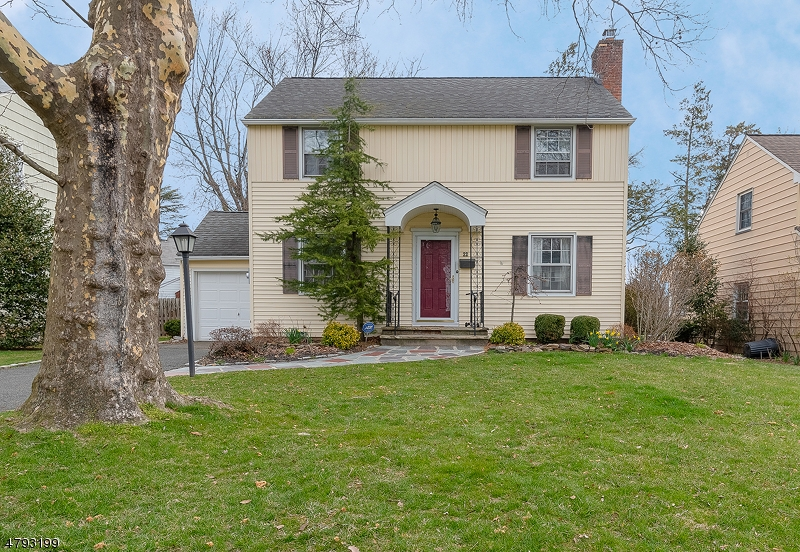 Property for sale at 22 Crest Pl, Springfield Twp.,  NJ  07081