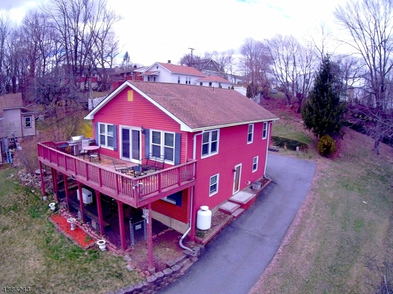 Photo of home for sale at 76 KOCLAS DR, Netcong Boro NJ