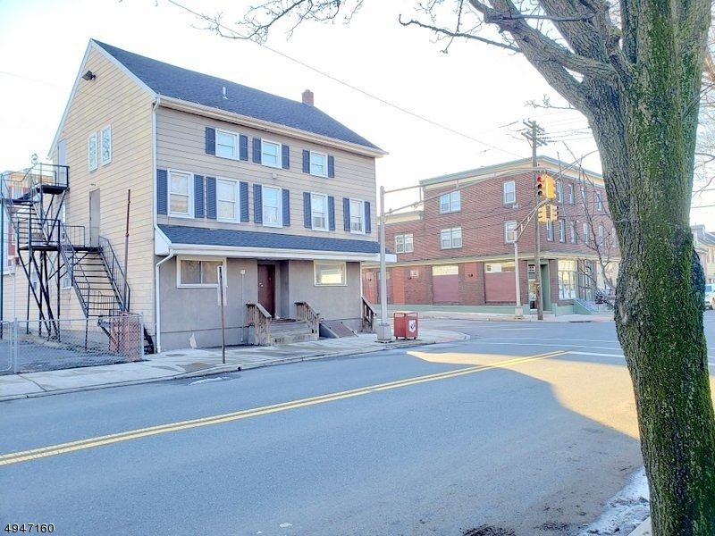 Photo of home for sale at 102 SITGREAVES ST, Phillipsburg Town NJ