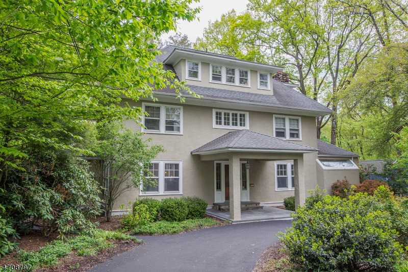 Property for sale at 16 Laurel Hill Rd, Mountain Lakes Boro,  NJ 07046