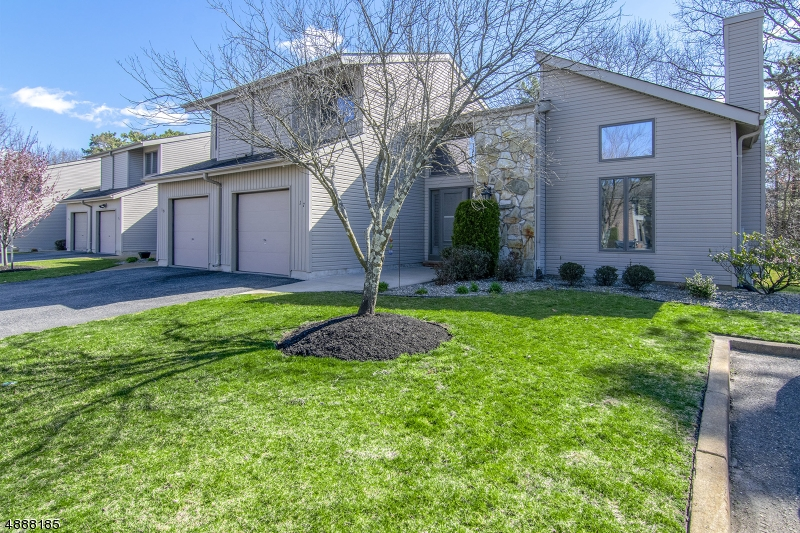Photo of home for sale at 17 WHITE SWAN WAY, Brick Twp. NJ