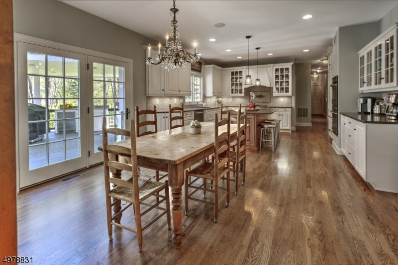 Photo of home for sale at 2 GLENNON FARM LN, Tewksbury Twp. NJ