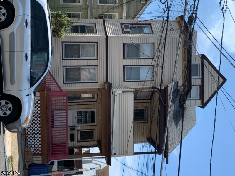 Photo of home for sale at 165 JASPER ST, Paterson City NJ