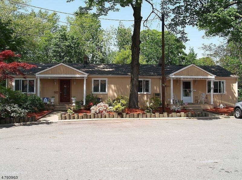 5 Everson Pl Clifton City, NJ 07013 - MLS #: 3461233