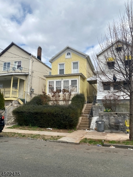 Photo of home for sale at 73 E JERSEY ST, Elizabeth City NJ
