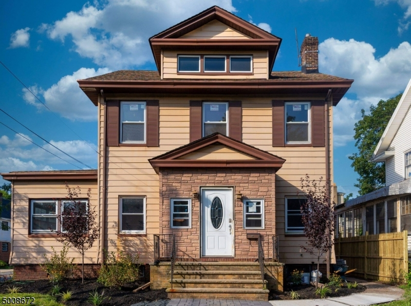 Photo of home for sale at 48 KEER AVE, Newark City NJ