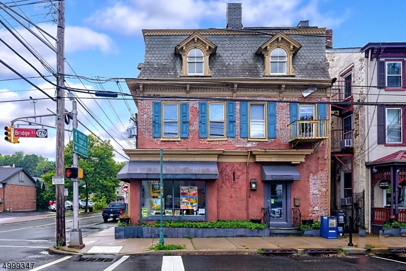 Photo of home for sale at 1 S MAIN ST, Lambertville City NJ