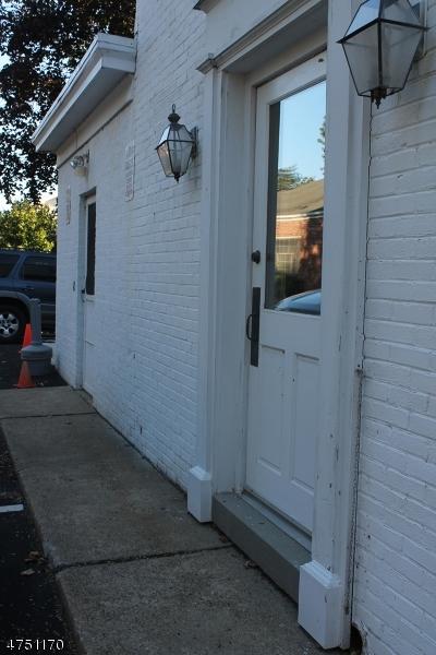 28 Center St Clinton Town, NJ 08809 - MLS #: 3422634