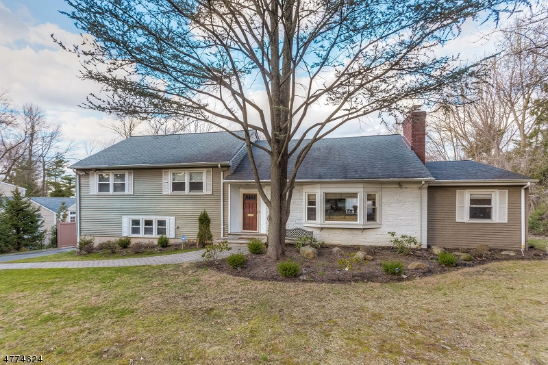 Photo of home for sale at 193 PARSONAGE HILL RD, Millburn Twp. NJ
