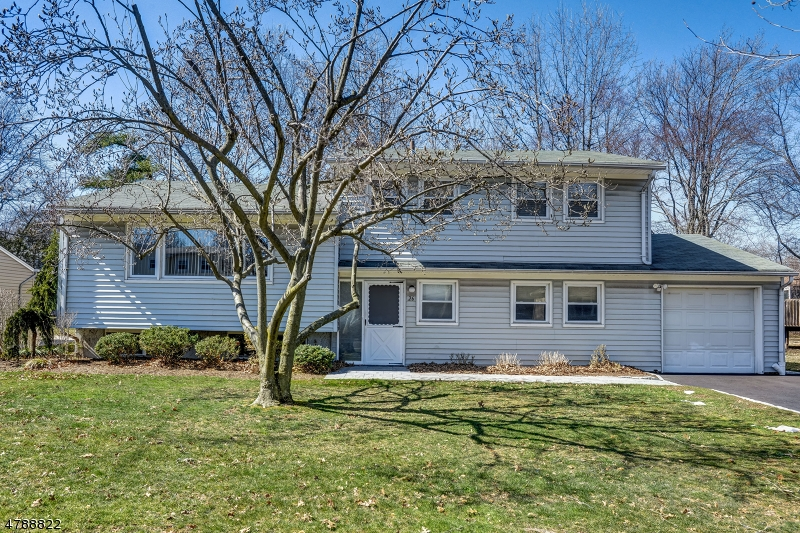 Property for sale at 26 Cypress Terrace, Springfield Twp.,  NJ  07081