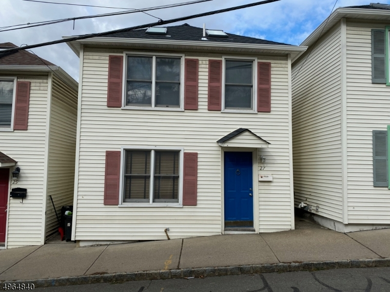 Photo of home for sale at 27 CLINTON PL, Morristown Town NJ