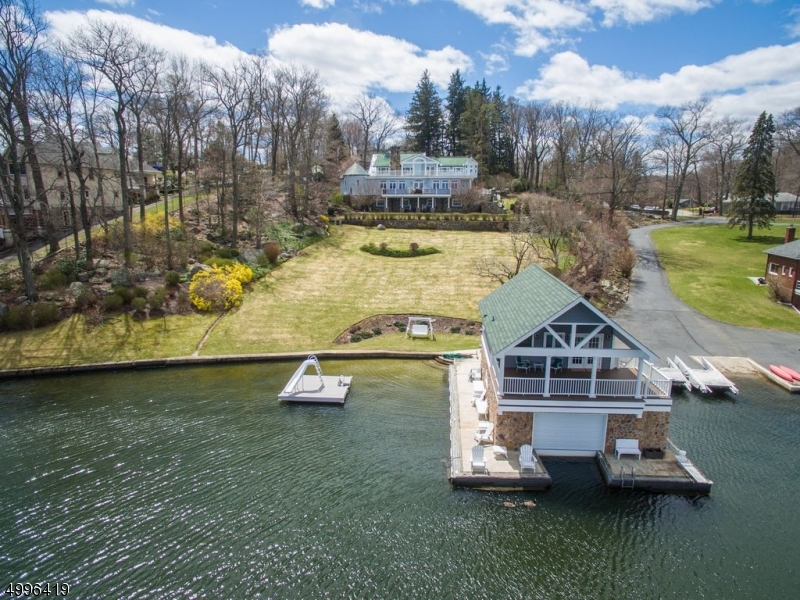 Photo of home for sale at 35 ELBA AVE, Hopatcong Boro NJ