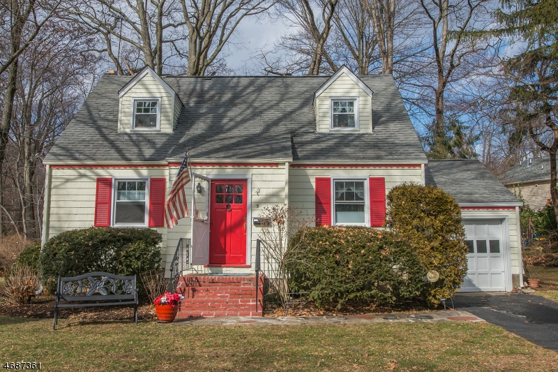 Property for sale at 005 CRESCENT DR, Mountain Lakes Borough,  NJ 07046