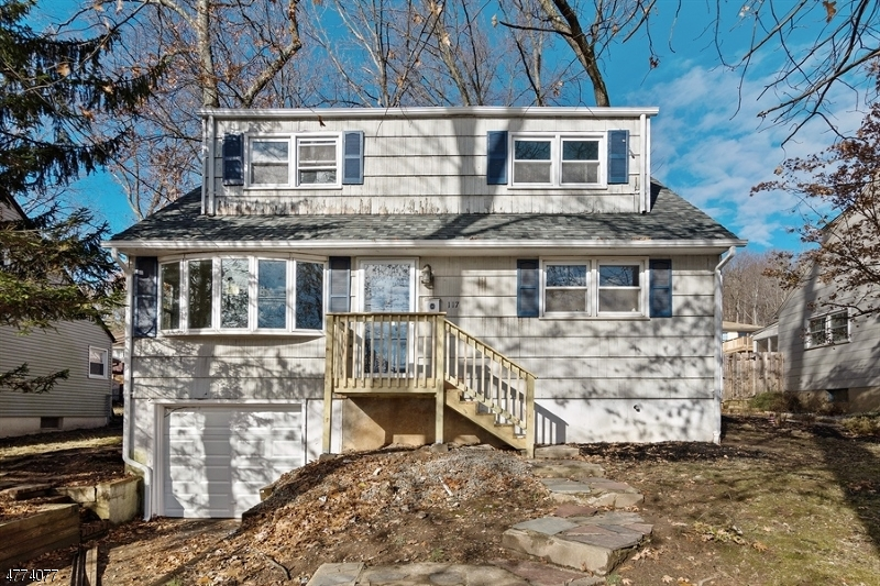 Photo of home for sale at 117 Jennings Ln, North Plainfield Boro NJ
