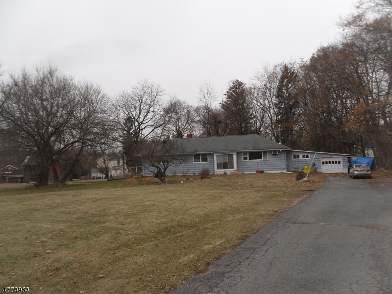 Photo of home for sale at 27 Lackawanna St, Hampton Boro NJ