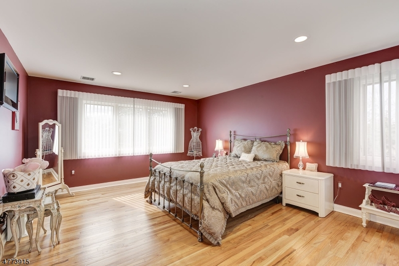 5 Dartmouth Ct Livingston Twp., NJ 07039 - MLS #: 3453335