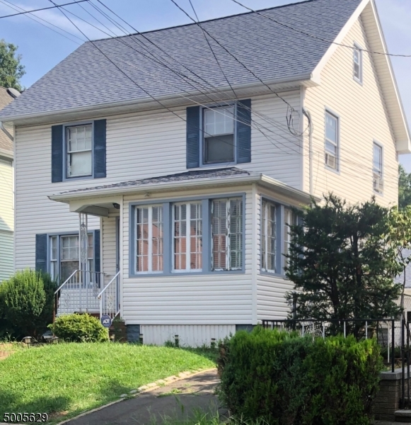 Photo of home for sale at 615 MAGIE AVE, Elizabeth City NJ