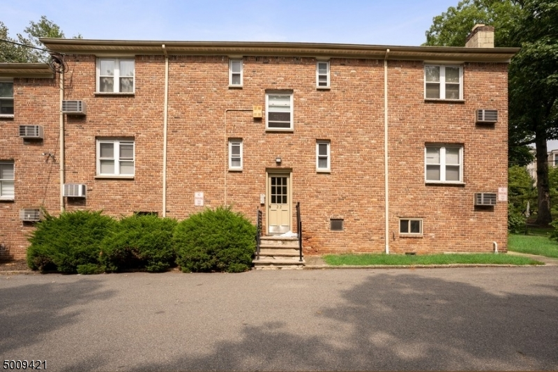 Photo of home for sale at 300 WILSON RD UNIT 22B, Springfield Twp. NJ