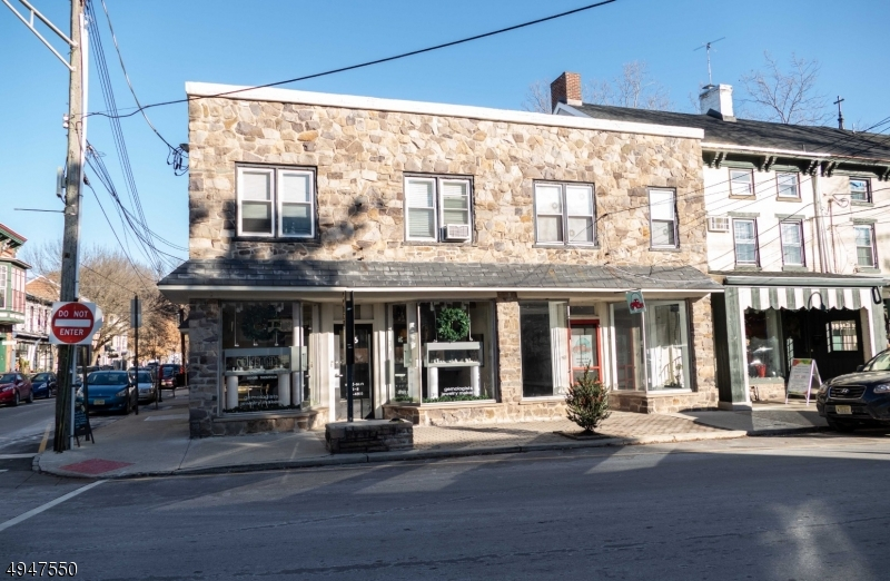 Photo of home for sale at 24 N Union St, Lambertville City NJ