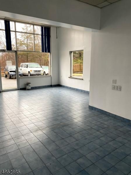 Photo of home for sale at 424 East Washington, Washington Boro NJ