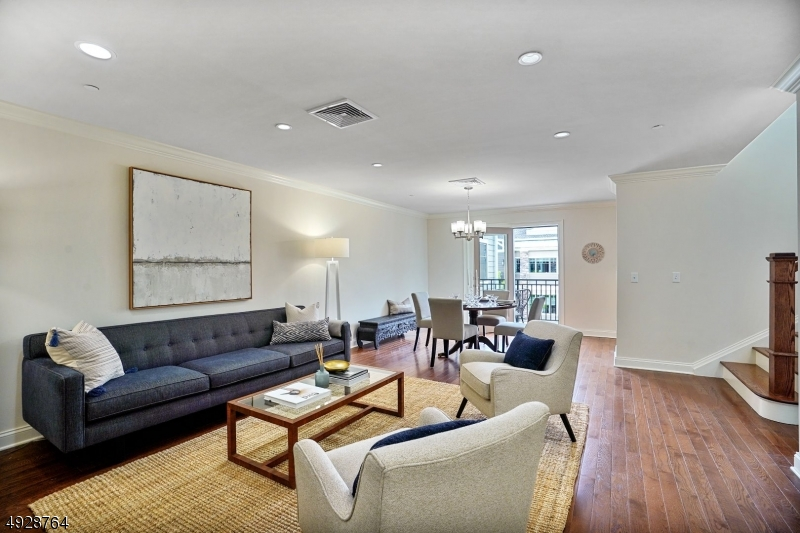 Photo of home for sale at 82 FRANKLIN Pl Unit 11, Summit City NJ