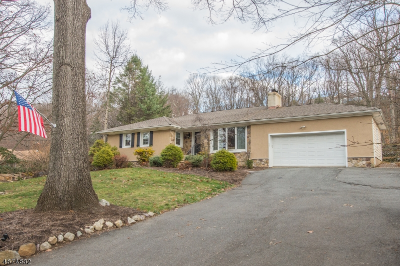 Property for sale at 93 Oak Rd, Boonton Township,  NJ 07005