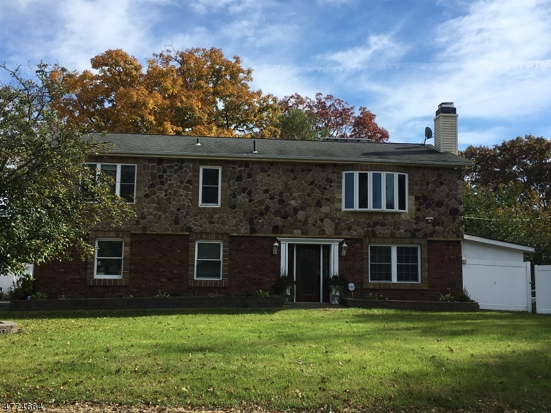 Photo of home for sale at 6 West Dr, Stanhope Boro NJ