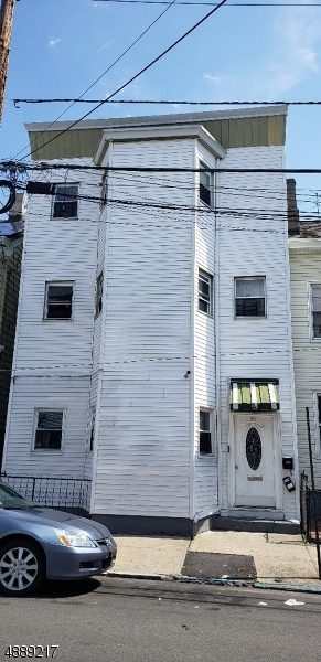 Photo of home for sale at 89 HIGHLAND ST, Paterson City NJ