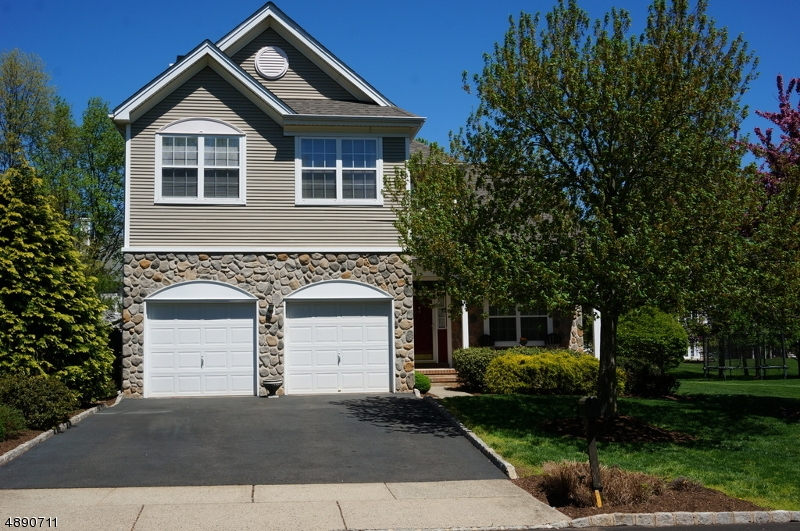 Photo of home for sale at 7 STONEHOUSE DR, Readington Twp. NJ