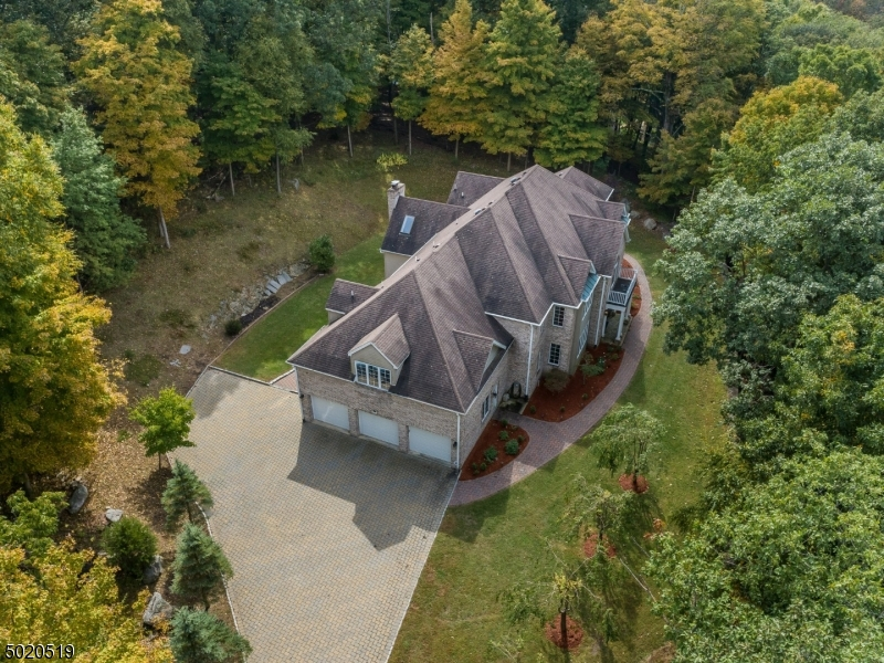 Photo of home for sale at 6 DOUGLAS DR, Sparta Twp. NJ