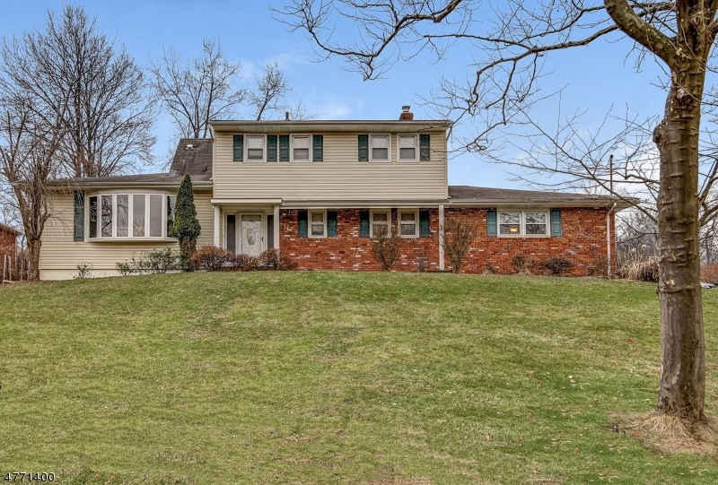 Property for sale at 177 Chipmunk Hl, Mountainside Boro,  NJ  07092