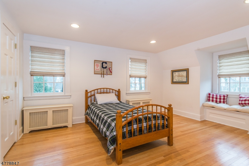 82 Elmwood Ave Chatham Boro, NJ 07928 - MLS #: 3447438