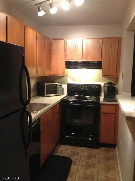 20 DELAR PKY Franklin Twp., NJ 08823 - MLS #: 3453338