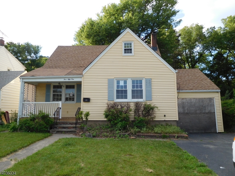 Photo of home for sale at 451 LAKESIDE AVE, Pompton Lakes Boro NJ