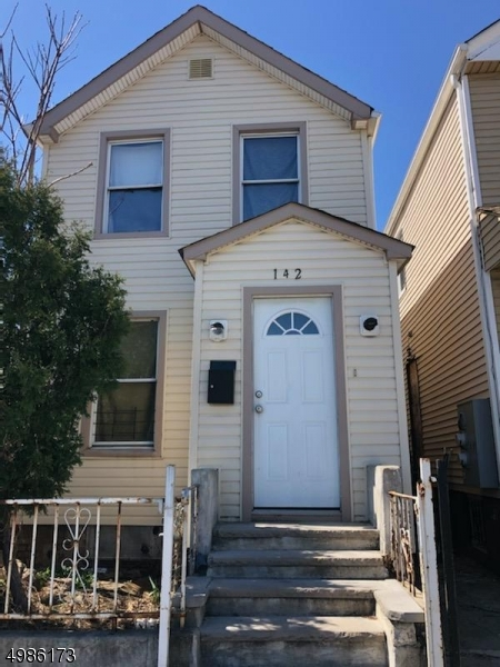 Photo of home for sale at 142 SUMMER AVE, Newark City NJ