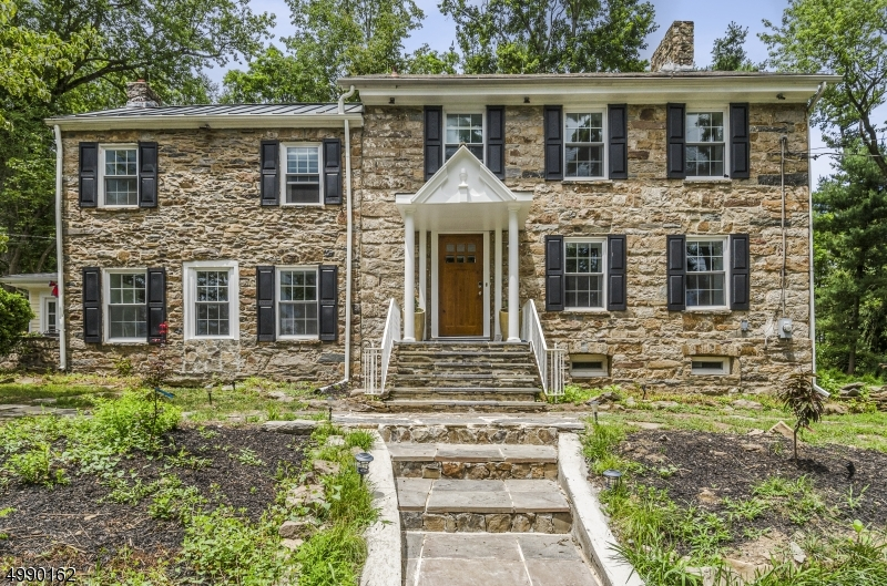 Photo of home for sale at 63 Harbourton Woodsville Rd, Hopewell Twp. NJ