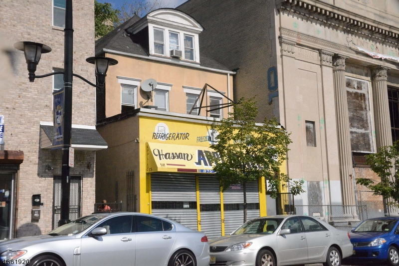 Photo of home for sale at 511 Clinton Ave, Newark City NJ