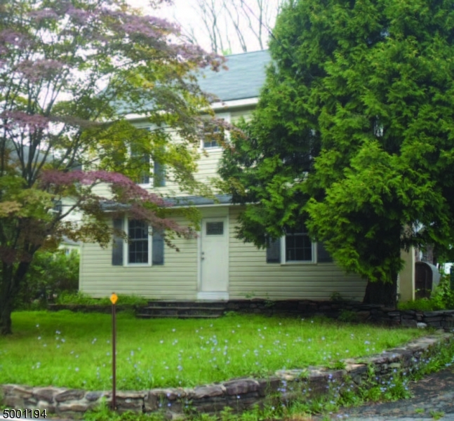 Photo of home for sale at 103 KINGWOOD STOCKTON RD, Delaware Twp. NJ