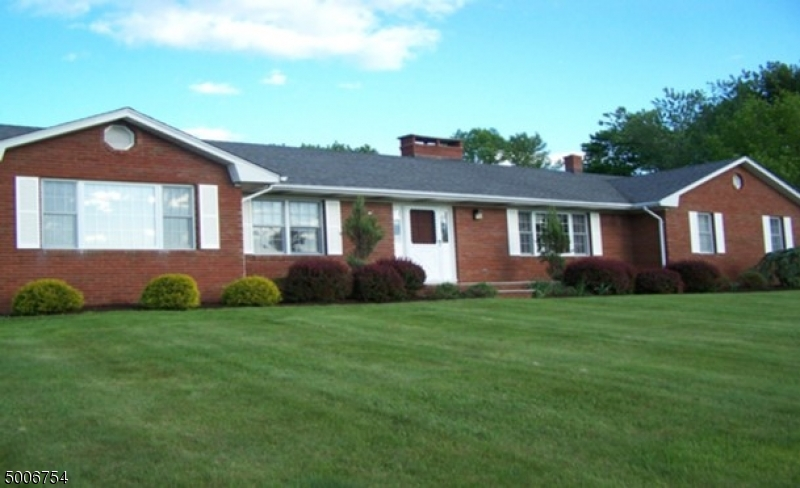 Photo of home for sale at 61 PRIMROSE RD, Hardwick Twp. NJ