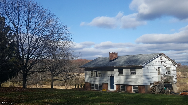Photo of home for sale at 34 Perryville Rd, Union Twp. NJ
