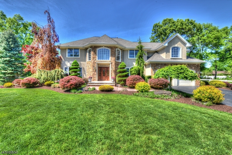 Photo of home for sale at 7 DOROTHY LN, Pequannock Twp. NJ