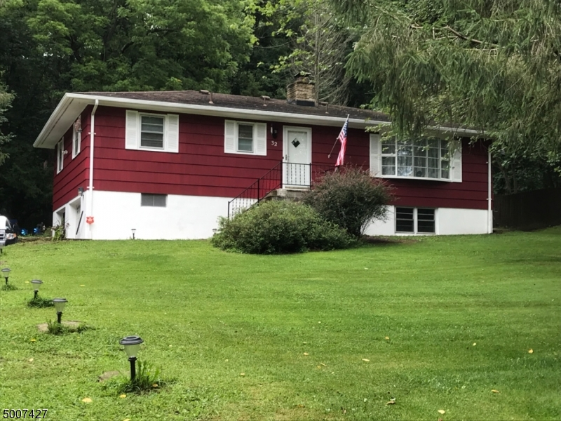 Photo of home for sale at 32 VIENNA HILLS RD, Independence Twp. NJ