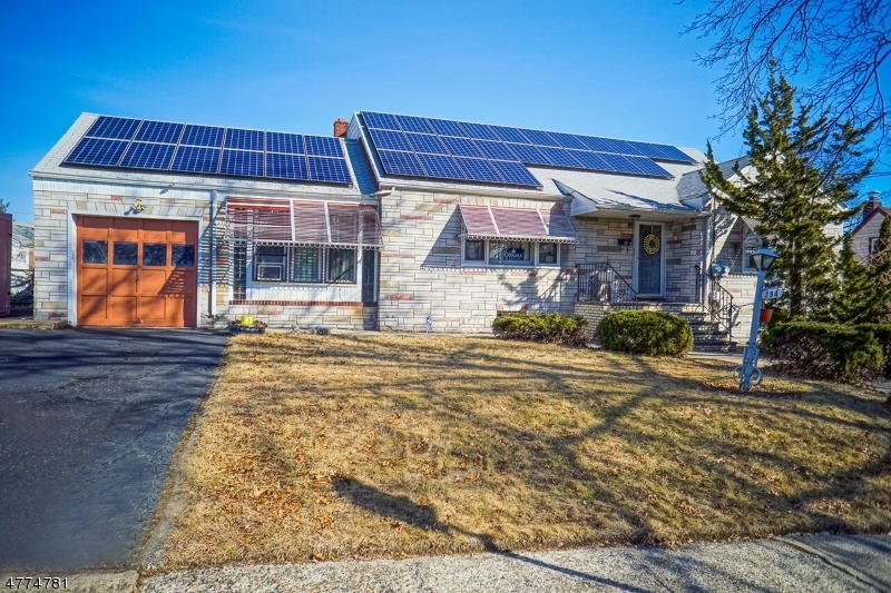 Photo of home for sale at 252 LEXINGTON AVE, Paterson City NJ