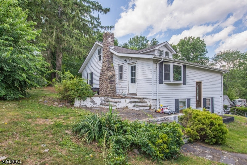 Photo of home for sale at 23 Hillside Ln, West Milford Twp. NJ