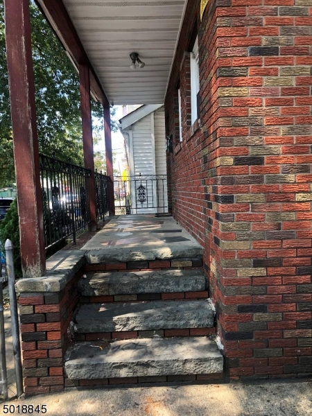 Photo of home for sale at 325 12th Ave, Paterson City NJ