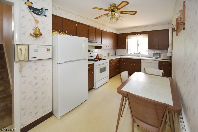 46 Spring Valley Ave Paramus Boro, NJ 07652 - MLS #: 3433242