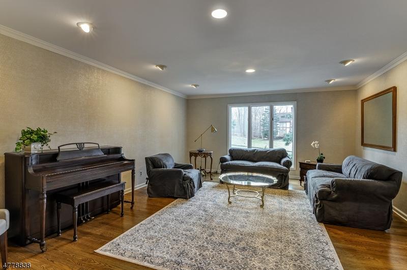 12 Branko Rd Berkeley Heights Twp., NJ 07922 - MLS #: 3447342